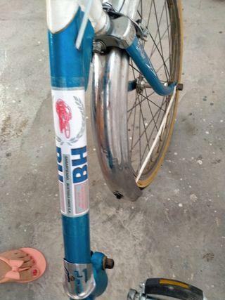 Bicicleta BH plegable, la de verano azul