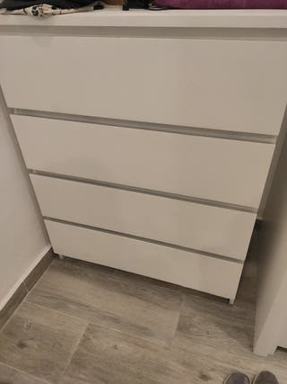 Cómoda dormitorio Ikea