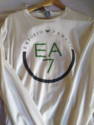 Camiseta manga larga Emporio Armani.