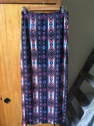 Falda larga con diseño bohemio negro azul rojo
