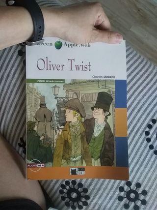 Libro inglés Oliver Twist Green Apple Black Cat