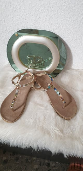 Preciosas Zapatillas de chica talla 36
