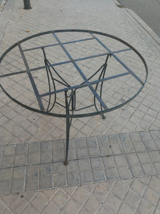 mesa de forja antigua para jardin o terra