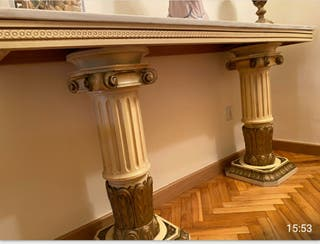 Entradita de mármol de diseño griego