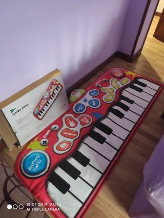piano musical jumbo