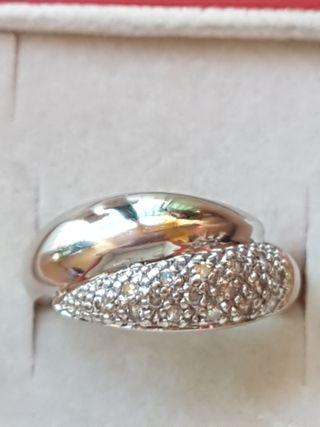 anillo de oro 18kt y diamantes