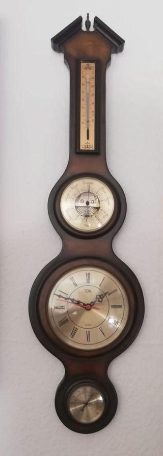 Reloj de pared con barómetro, termómetro y brújula