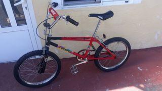bicicleta BMX clásica