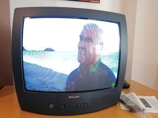 TV PHILIPS, con TDT y mando a distancia.