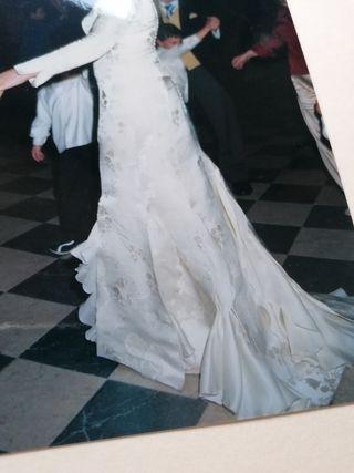 vestido de novia brocado blanco roto t. 42 850€