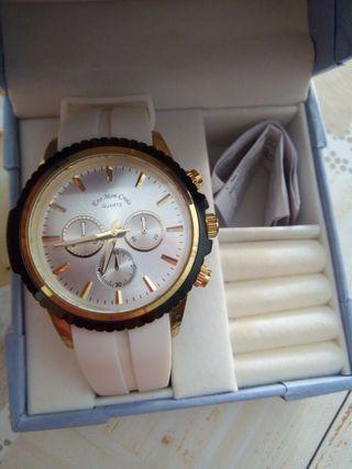NUEVO reloj marca Eve Mon Crois