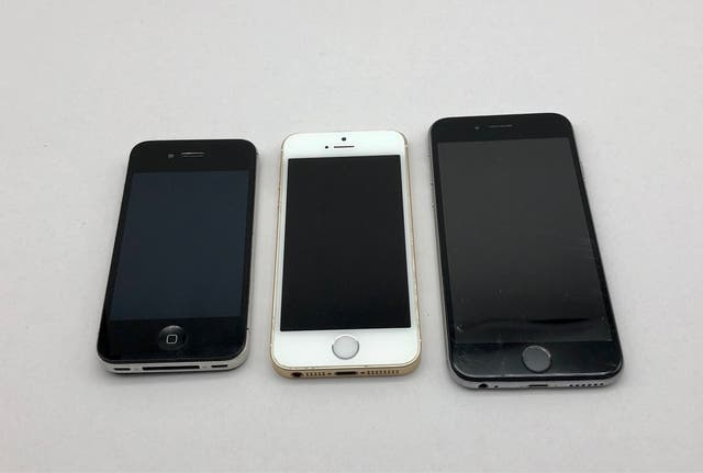 Lote 3 IPhone 4s - SE - 6 para despiece + estuches