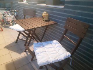 Conjunto de mesa y sillas terraza