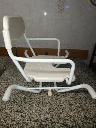 silla de baño ortopédica.