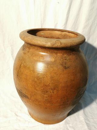 Tinaja ceramica antigua