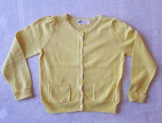 Chaqueta amarilla de algodón. H&M.