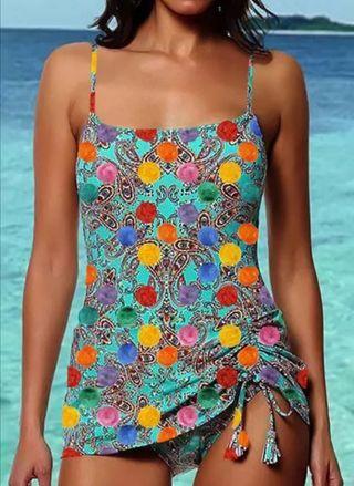 Bikini formado por braguita y camiseta. Talla M