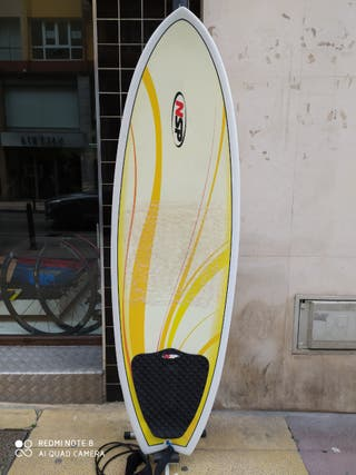 Se Vende Tabla de Surf y funda.