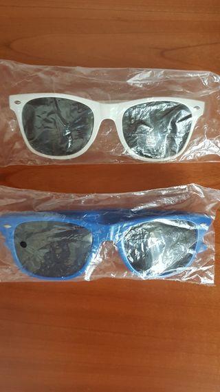 LOTE 2 gafas de sol azul y blanco NUEVA
