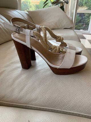 Michael Kors zapatos blancos