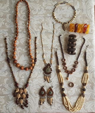 Lote 6 collares+pendientes+2pulseras+anillo madera