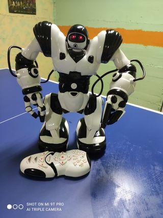 ROBOACTOR robot de control remoto