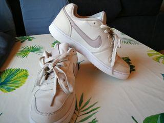 Tenis Nike Ebernon 38,5