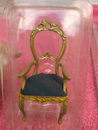 Preciosa Silla Clásica y Elegante para muñecas