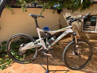 Bicicleta doble suspensión ORBEA OCCAM