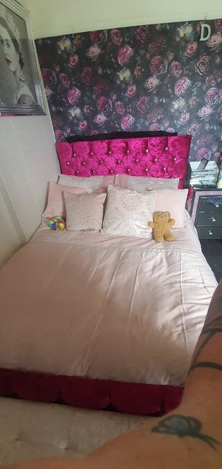 hot pink Diamonte Double bed
