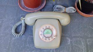 Teléfono modelo Heraldo, de sobremesa.