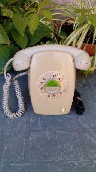 Antiguo teléfono Heraldo, de pared.