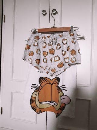 Pijama completo de dos piezas de Garfield