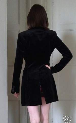 Muy bonita chaqueta negra