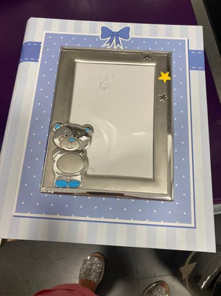 Álbum bebé con marco de plata