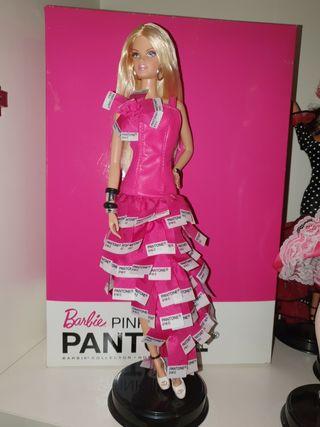 Barbie coleccion Pantone