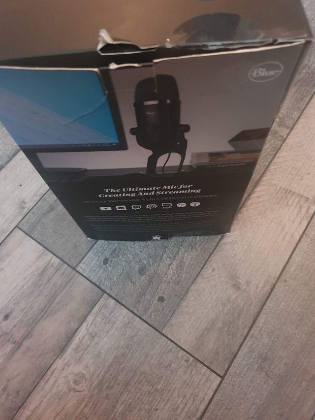 BLUEYeti X Professional USB Microphone - Black