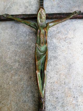 Crucifijo hierro forjado antiguo