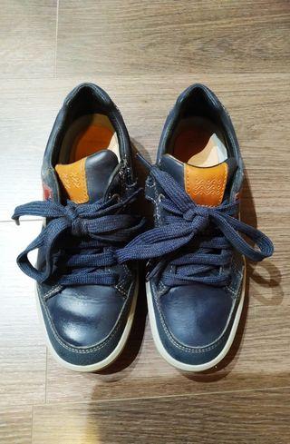 Zapatos Geox nuevos de niño
