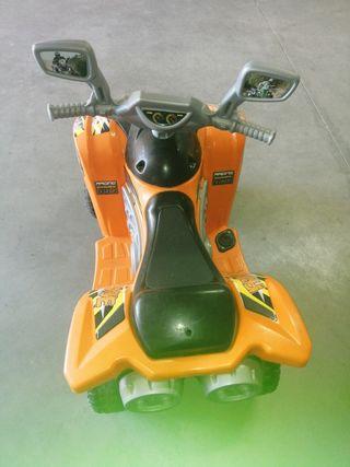 se vende quad de batería