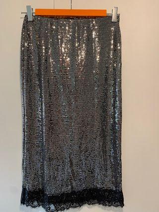 Falda midi metalizada con encaje