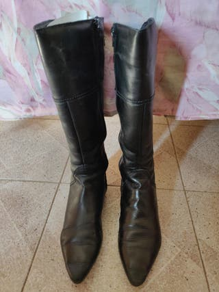 Botas de piel negras. Talla 39