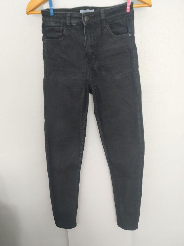 Pantalon Bershka Negro Slim Mujer De Segunda Mano Por 5 En Gijon En Wallapop