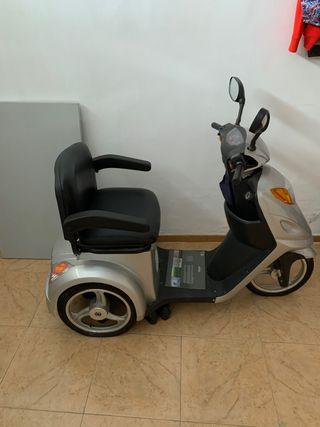 Moto, scooter electrico personas mayores
