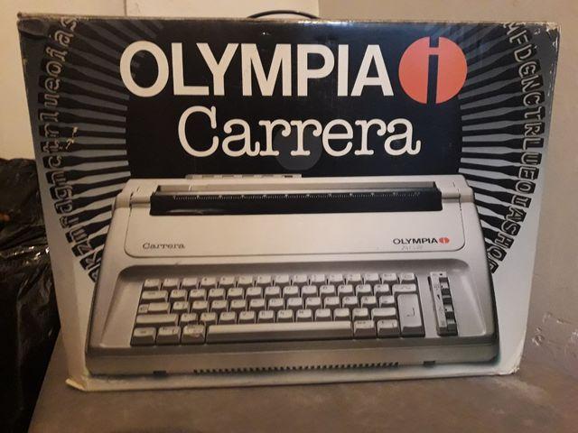 Maquina de escribir portátil.
