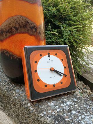 Reloj de pared Junghans 70's