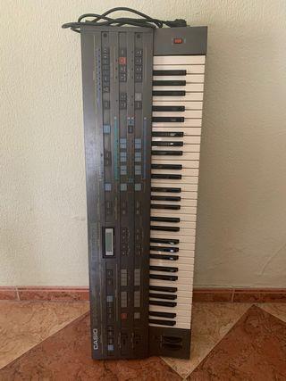 Sintetizador teclado Cz5000 (año 85)
