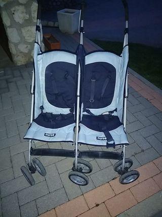 silla doble de paseo y parque infantil