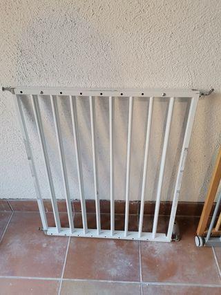 Barrera de seguridad expandible para escaleras