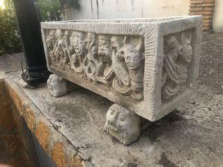 Jardinera piedra artificial 84 cm